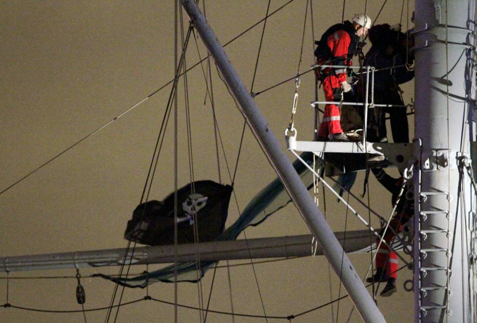 «Веселый Роджер» на мачте крейсера «Аврора».Источник: https://www.gazeta.ru/social/2011/10/17/3803590.shtml