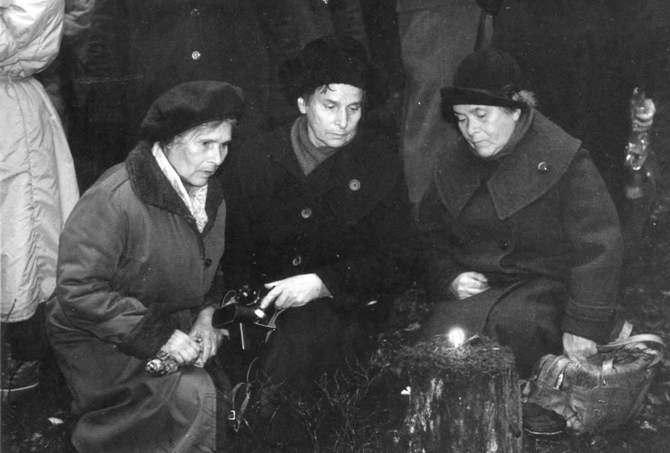Одна из первых панихид в Левашовской пустоши, 1989
